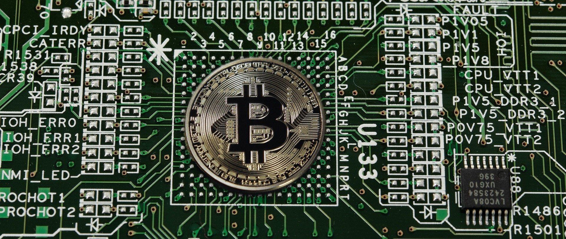 Těžaři kryptoměny - bitcoin halving - potvrzování bloků